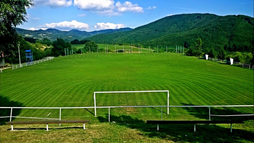kosenie futbalove ihrisko travnik trava park kosacka 00001