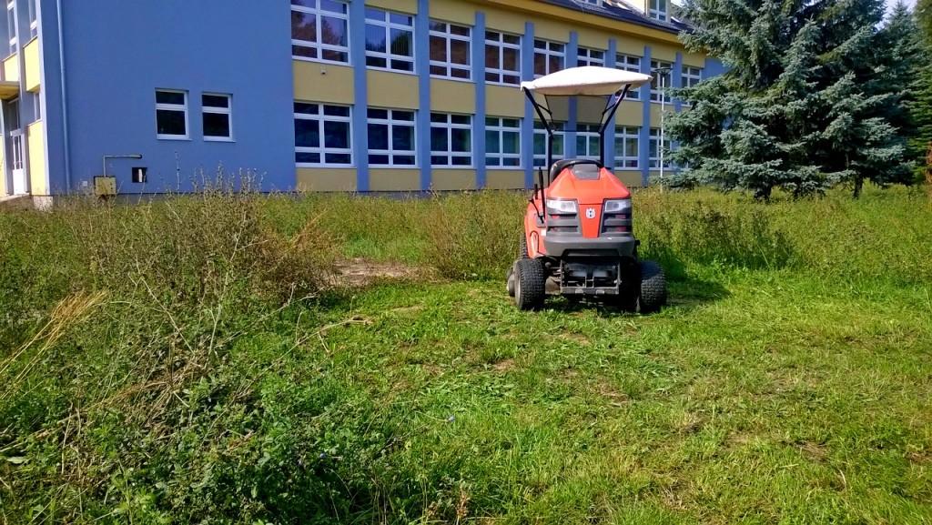 kosenie travnik trava park kosacka 00002